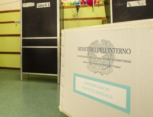 Riaperti i seggi, si vota fino alle 15