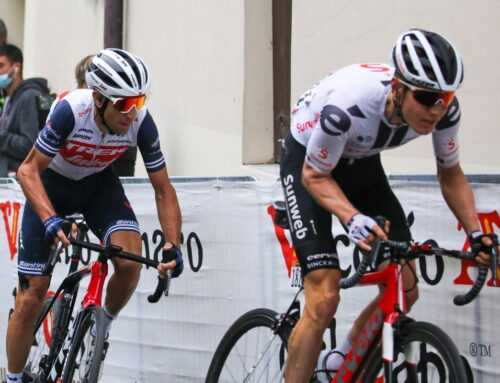 Hindley vince la 18^ tappa, Kelderman nuova maglia rosa al Giro