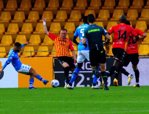 I fratelli Insigne in gol, il Napoli vince 2-1 a Benevento