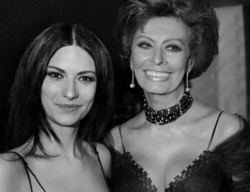 """Laura Pausini, nel video """"Io sì/Seen"""" il cameo di Sophia Loren"""