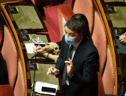 """Renzi """"Il premier pur di restare ha cambiato tre maggioranze"""""""