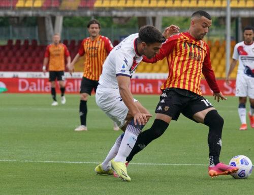 Lapadula e Simy, 1-1 col Crotone, Benevento nei guai