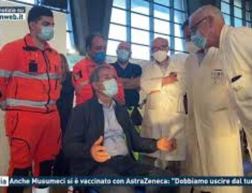 """Catania – Anche Musumeci si è vaccinato con AstraZeneca: """"Dobbiamo uscire dal tunnel"""""""
