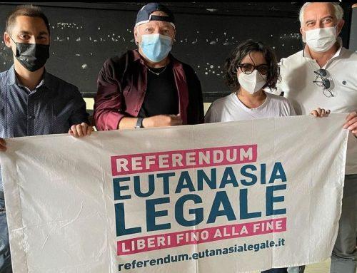 Eutanasia, Vasco Rossi firma per referendum fine vita