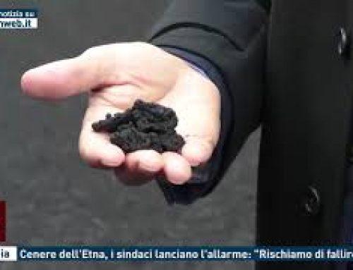 """Catania – Cenere dell'Etna, i sindaci lanciano l'allarme: """"Rischiamo di fallire"""""""